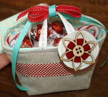 Red & aqua basket from Zakka Sewing